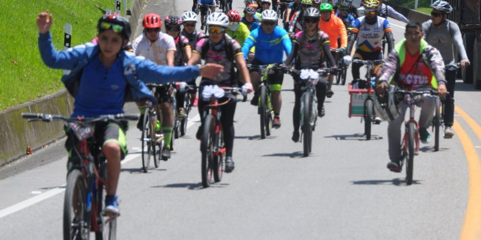 Más de mil ciclistas llegaron a Villavicencio para foro de la bici