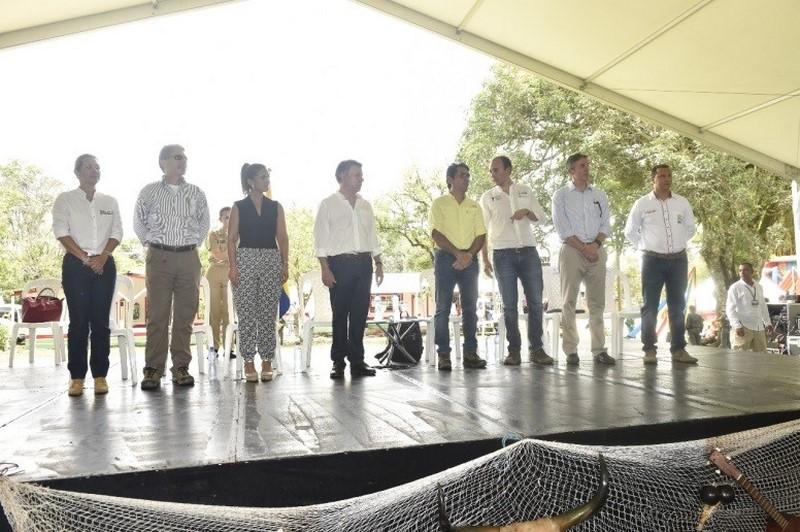 """""""Con la formalización de escuelas rurales en el departamento estamos haciendo realidad un sueño"""": Marcela Amaya"""