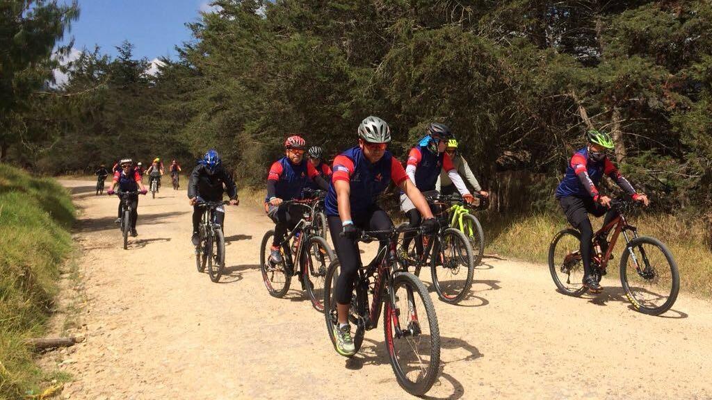 'BiciRegión' turismo de aventura en bicicleta de montaña con señales de estándares internacionales