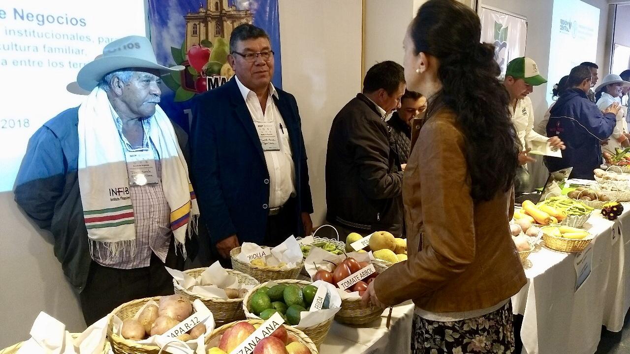 Región Central impulsa la agricultura familiar para contribuir al desarrollo rural en Colombia