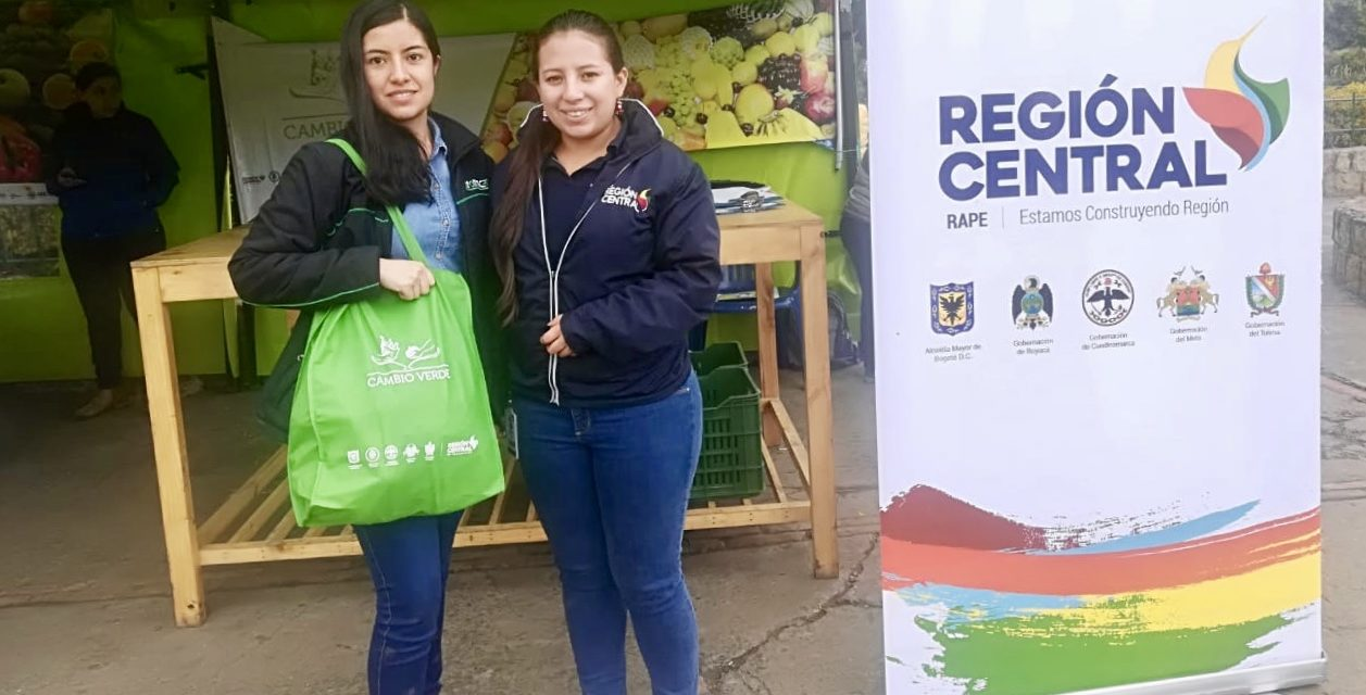 Habitantes de Guachetá, intercambian material reciclable por alimentos frescos