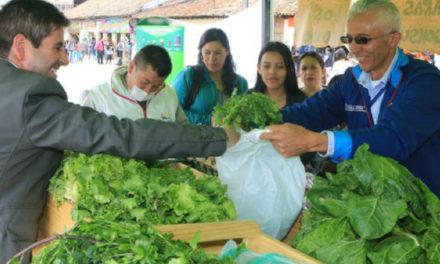 Soacha intercambia residuos sólidos reciclables por alimentos