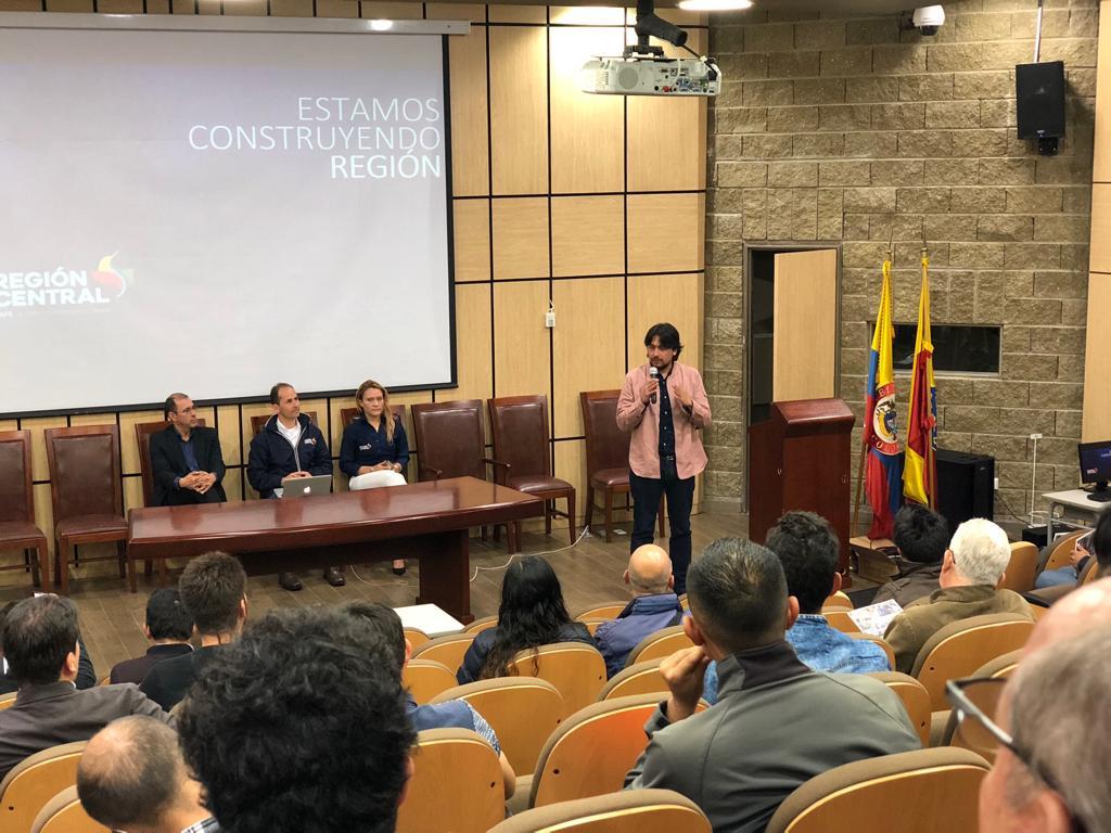 LA REGIÓN CENTRAL ARTICULA ESFUERZOS CON LA UNIVERSIDAD DISTRITAL PARA CONSOLIDAR UN CENTRO DE PENSAMIENTO REGIONAL.