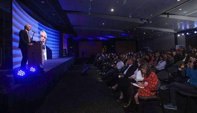"""""""Queremos que Bogotá tenga una nueva imagen por su creatividad"""": alcalde Peñalosa"""
