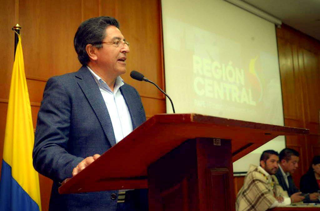 """Foro + Región """"Hacia un nuevo modelo de Estado"""" a propósito de la sanción de Ley de Regiones"""